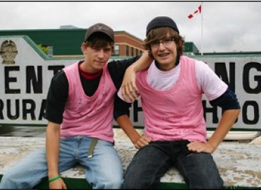 Wear Pink T-Shirts to Raise Awareness of Bullies