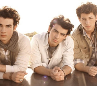 What to Wear to a Jonas Brothers Concert!