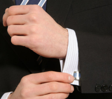 How and When to Properly Wear Cufflinks